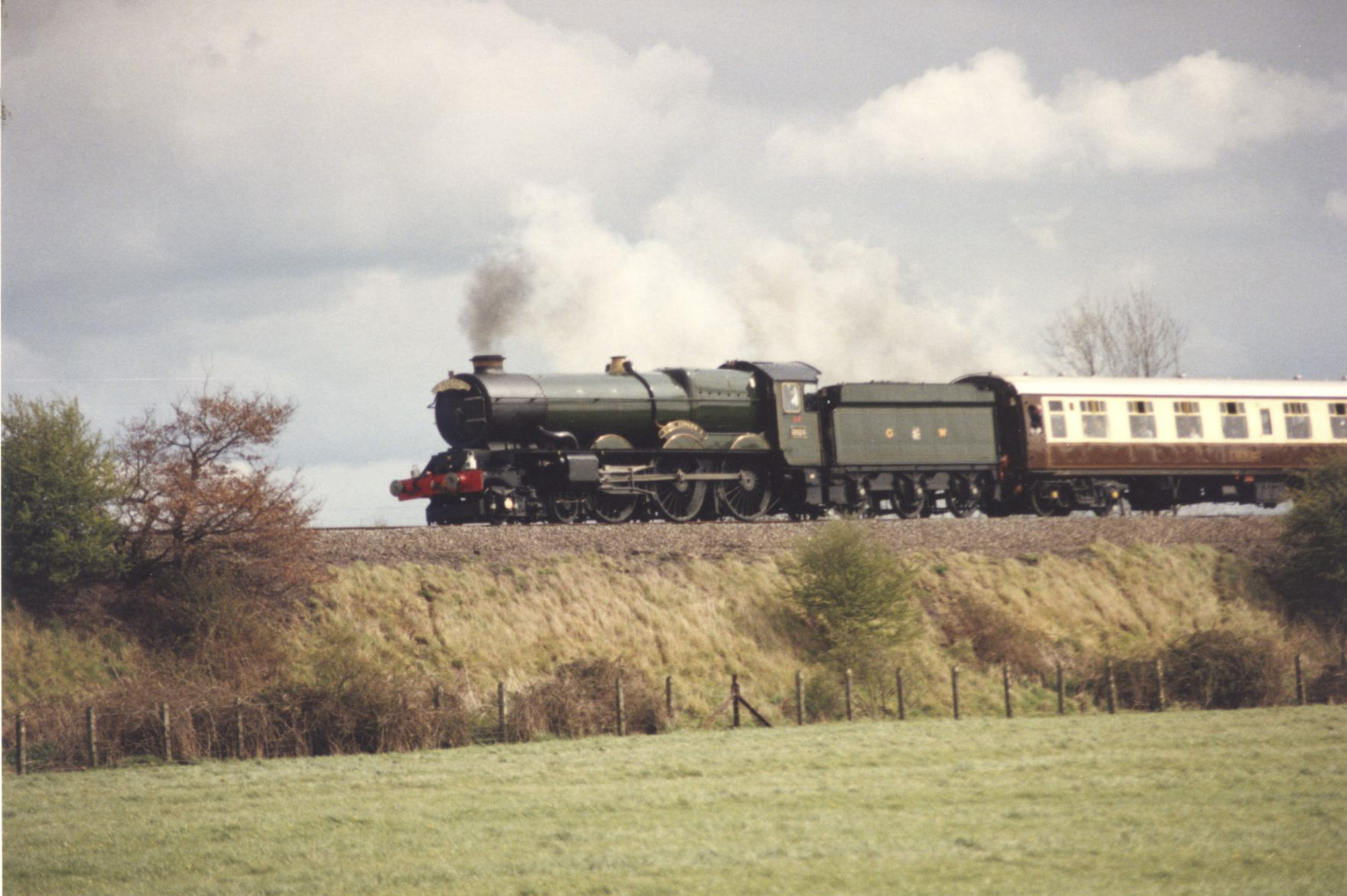 No. 6024 back on the mainline on the North Warwickshire route, April 1990. © Chris Brown