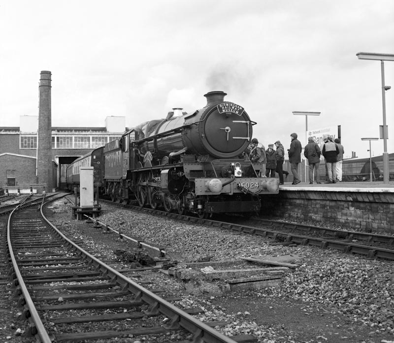 No. 6024 on test at Banbury, 8 February 1990. © Ian McDonald