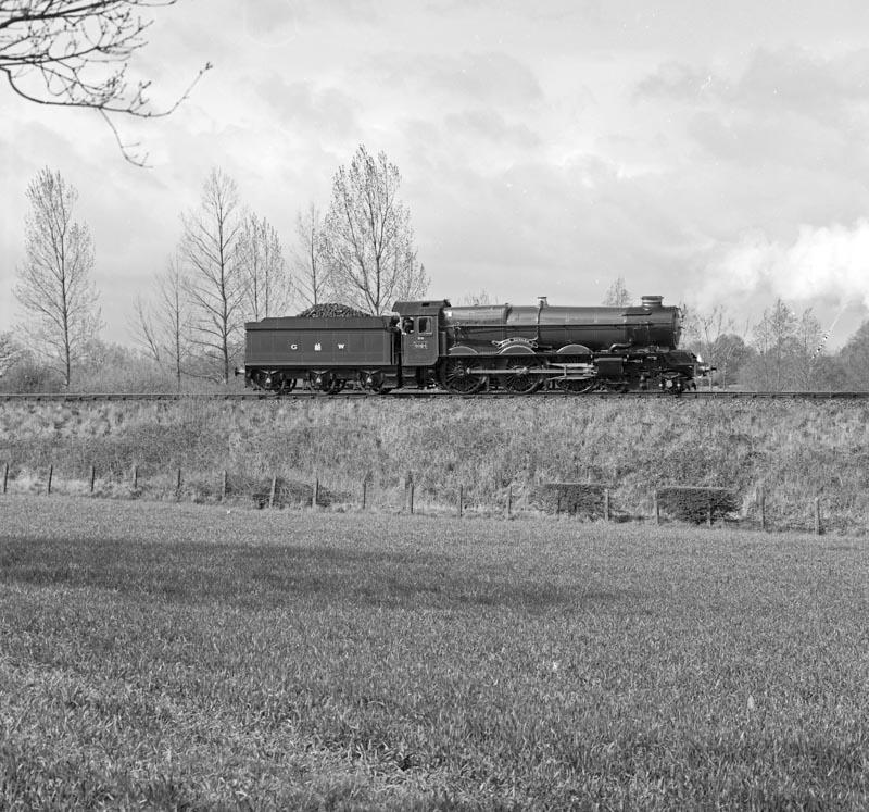 No. 6024 runs light to turn. 15 April 1990. © Ian McDonald