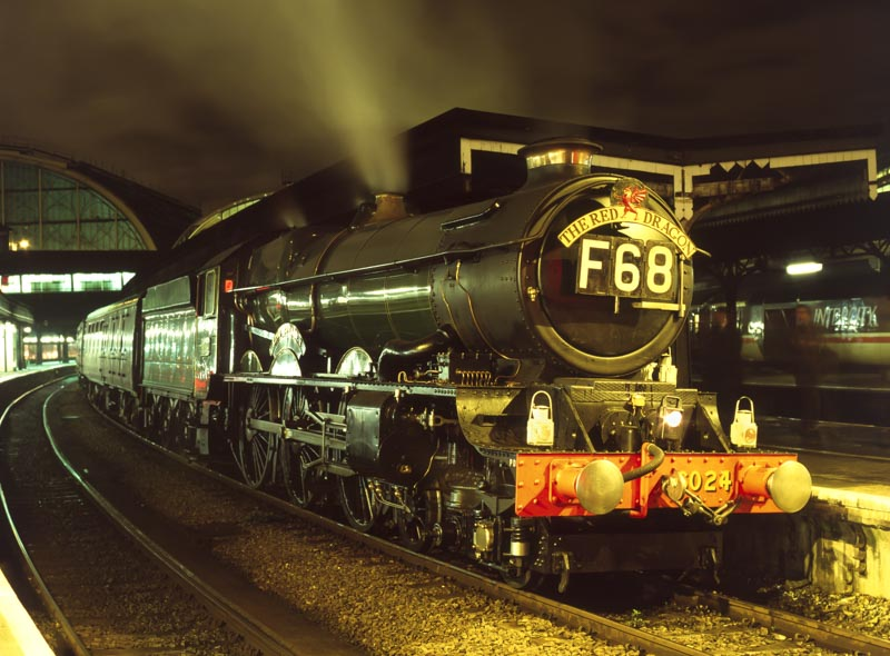 No. 6024 ready to depart from London Paddington on its last train before overhaul, 1 March 1995. © Martyn Bane