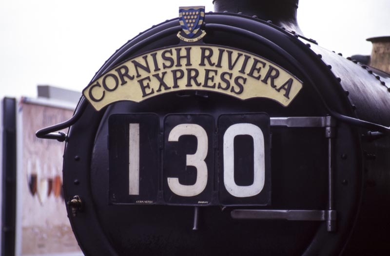 No. 6024 with 1950's era Cornish Riveria Express headboard and train reporting number, 5 February 1995. © Martyn Bane