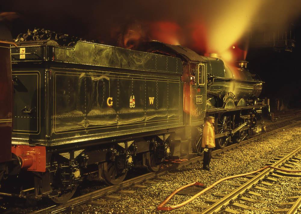No. 6024 at Kemble, 1 January 1995. © Martyn Bane