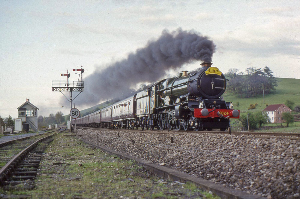No. 6024 heads south at Pontrilas, 12 April 1993. © Dave Fuszard