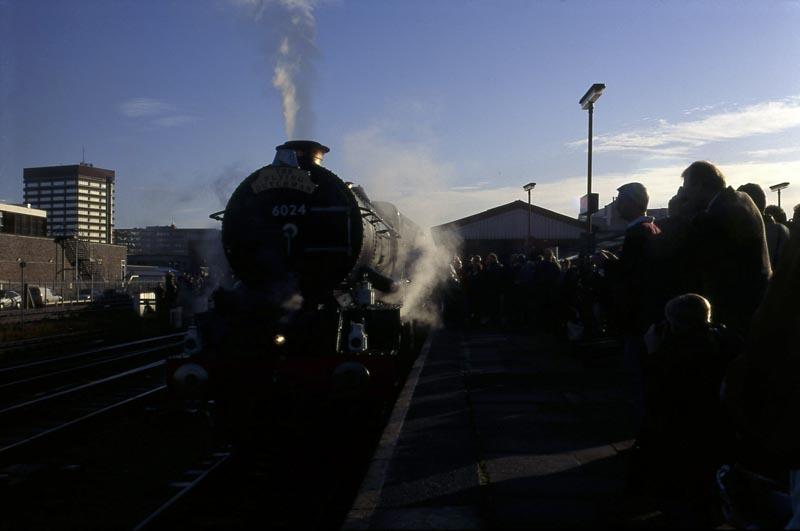 No. 6024 at Reading, 09 November 1996. © Ian McDonald