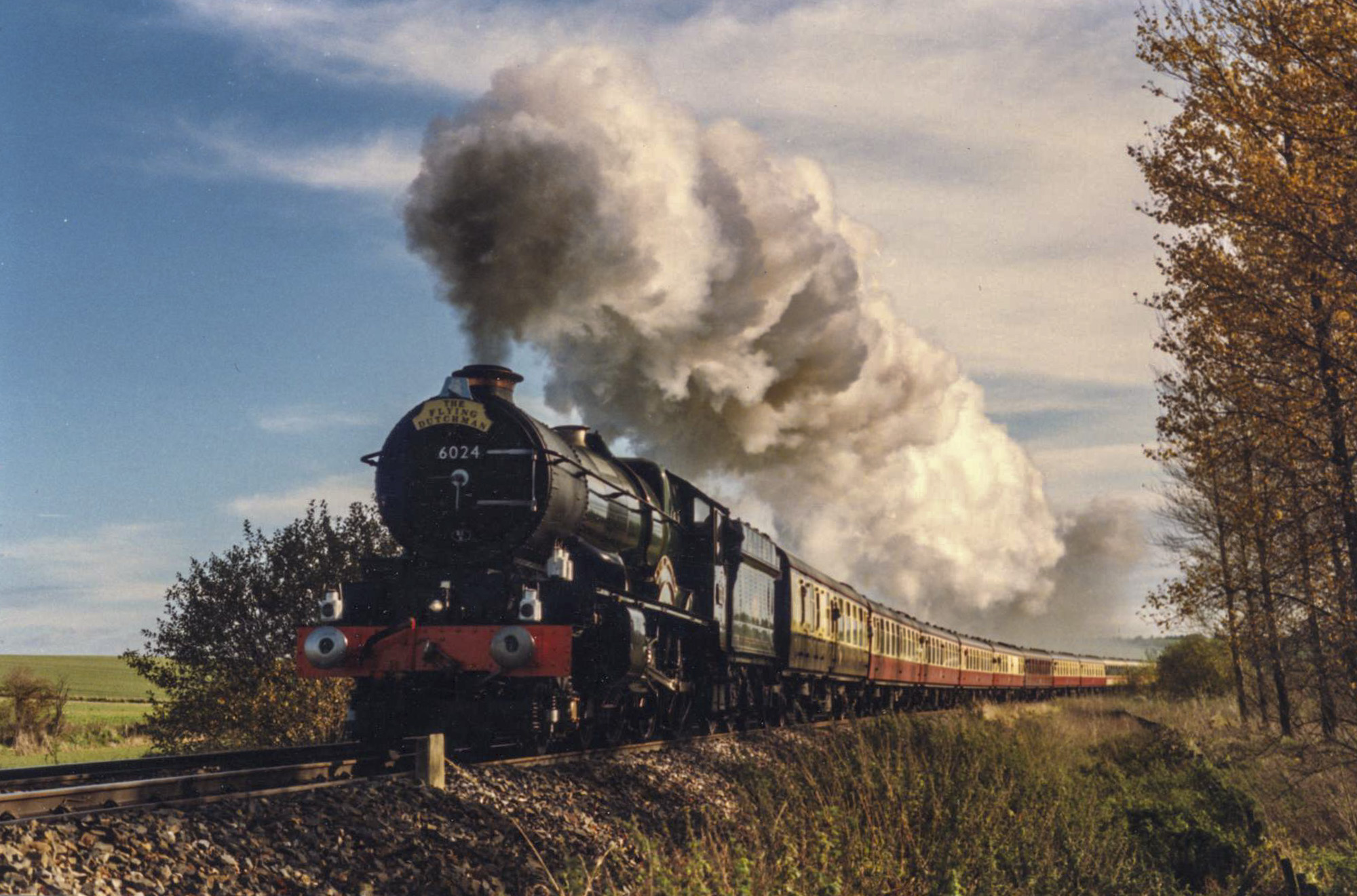 No. 6024 climbs to Savernake on its way from London to Plymouth, 6 Novermber 1996. © Malcolm Arnold