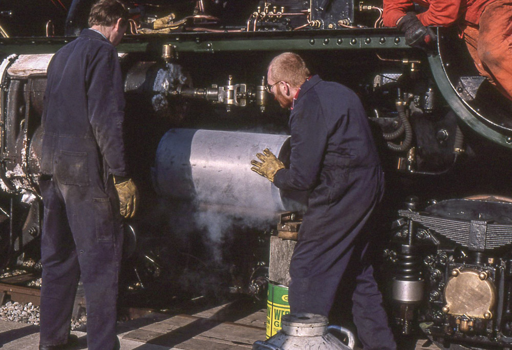 Fitting a new cylinder liner. Early 1997 © Dave Fuszard