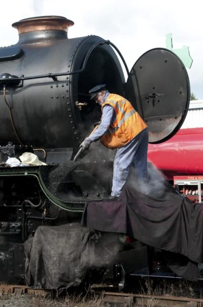 No. 6024 gets its smokebox emptied at Tavistock Junction by Bob Robson, 25 September 2010. © Ian McDonald