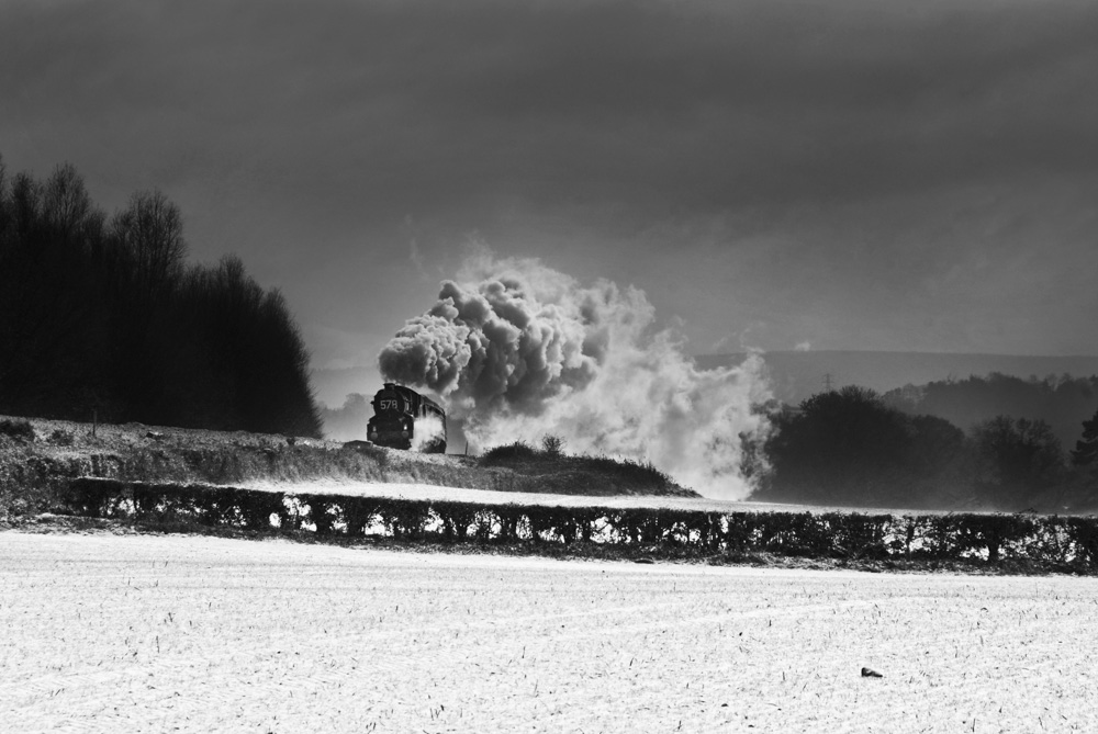 No. 6024 approaching Abergavenny, 27 November 2010. © Taliesin Coombes