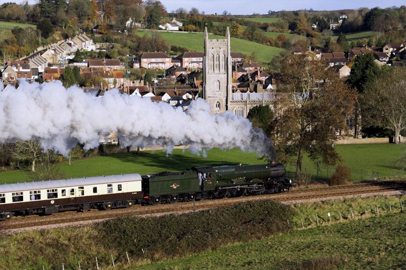 No. 6024 passes Bruton, 18 November 2006. © Brian Bane