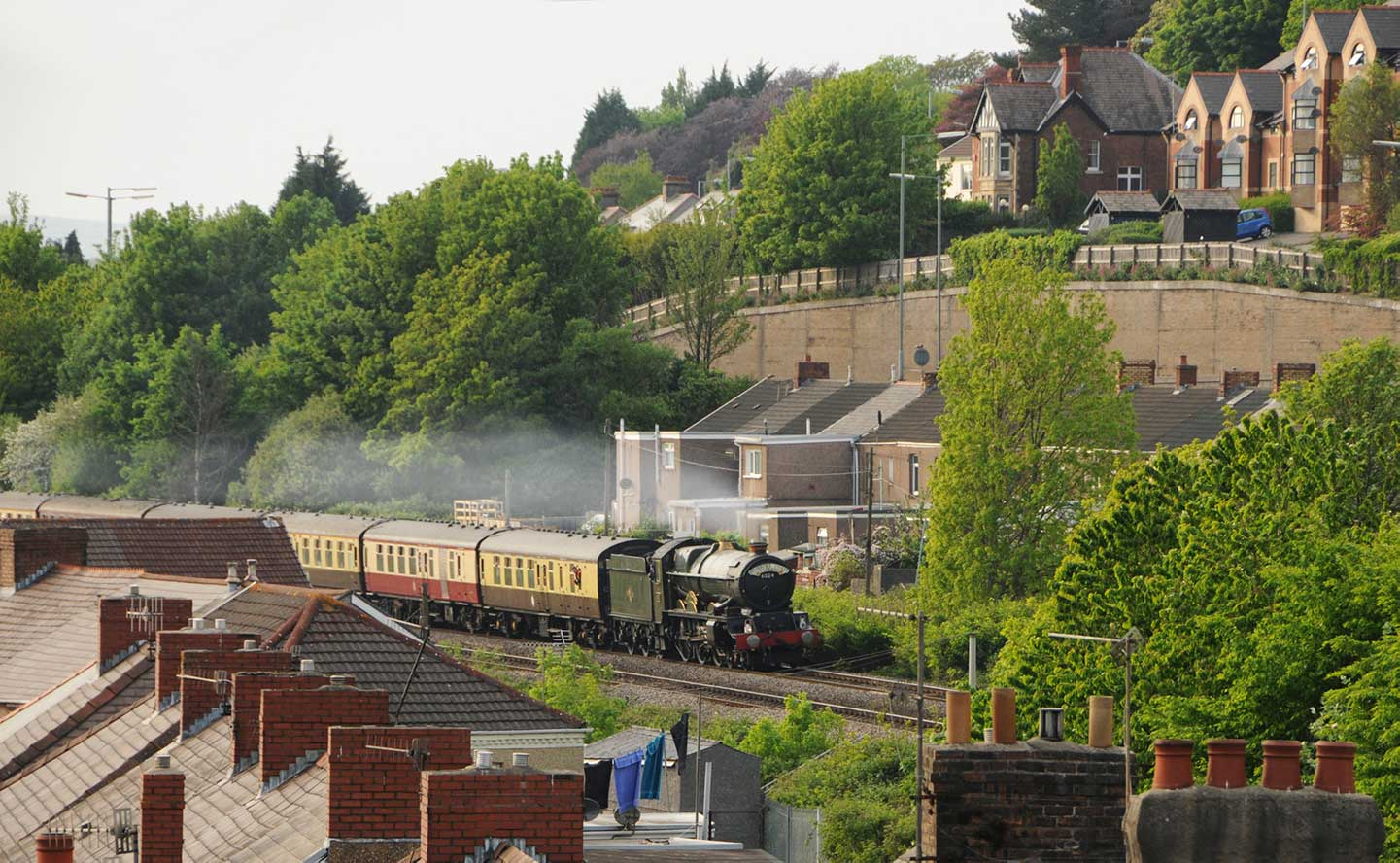 No. 6024 amongst the houses in Port Talbot, 1 May 2011. © Robin Coombes