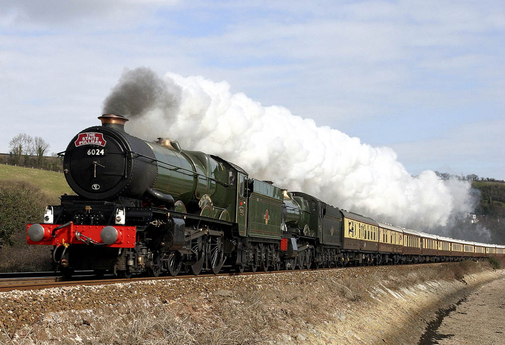 'The Staite Pullman' behind No. 6024 and No. 7802 Bradley Manor., 28 February 2005. © Huw Button