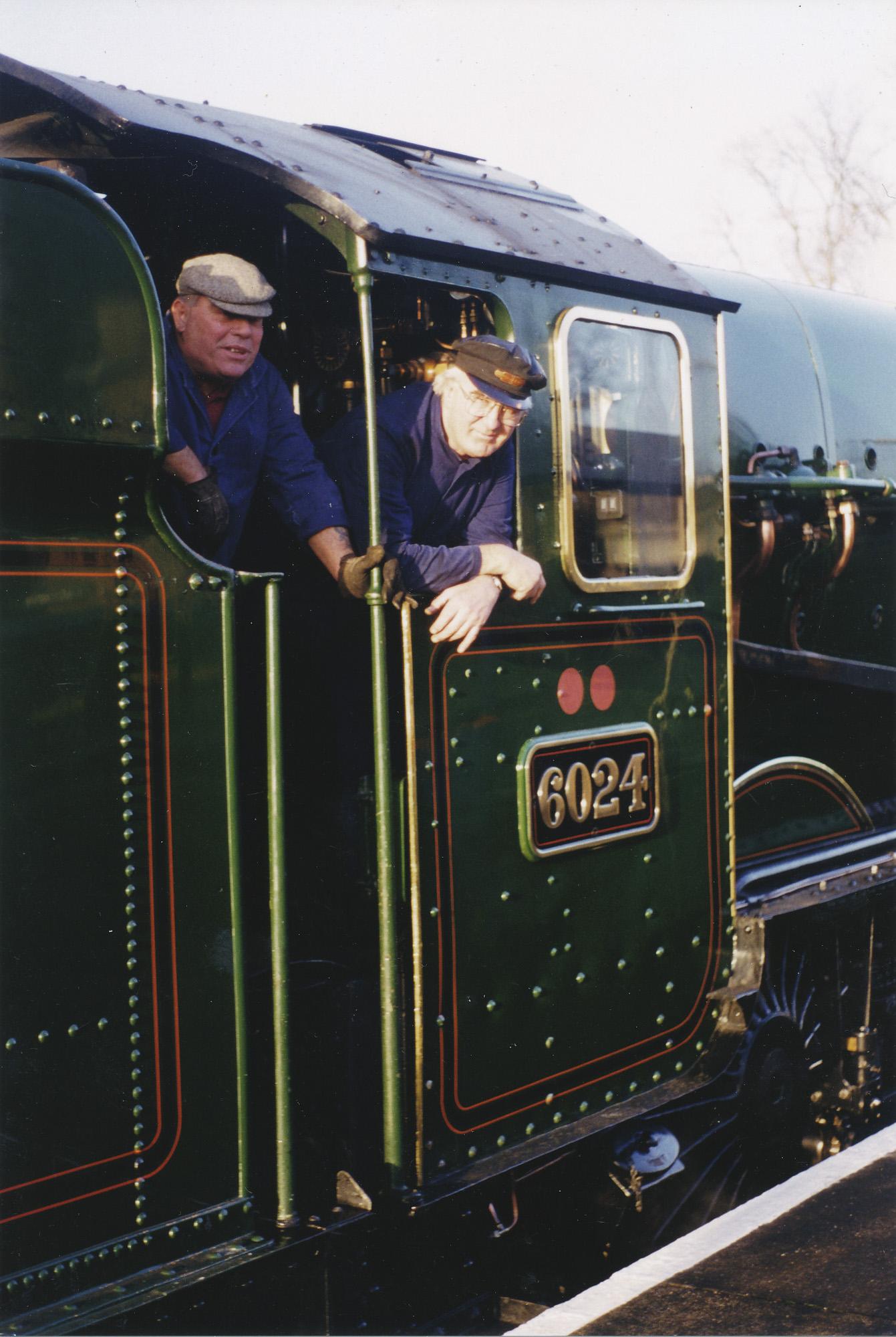 Howard Thomas and Arthur Fenn. © Bob Robson/6024PS Ltd