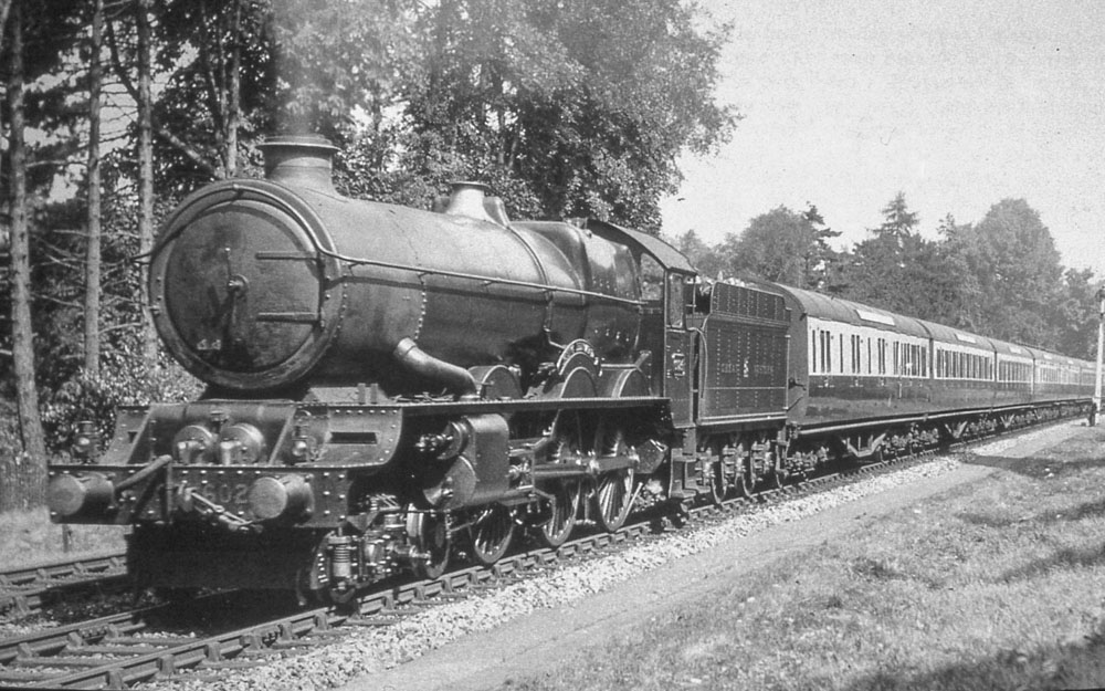No. 6024 on a West of England express in the 1930s. © Maurice Earley