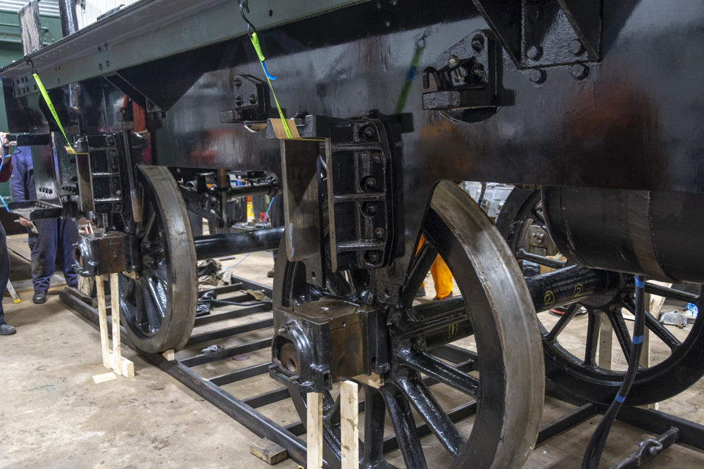 Lowering the chassis onto the axleboxes, 27 October 2018. © Martyn Bane