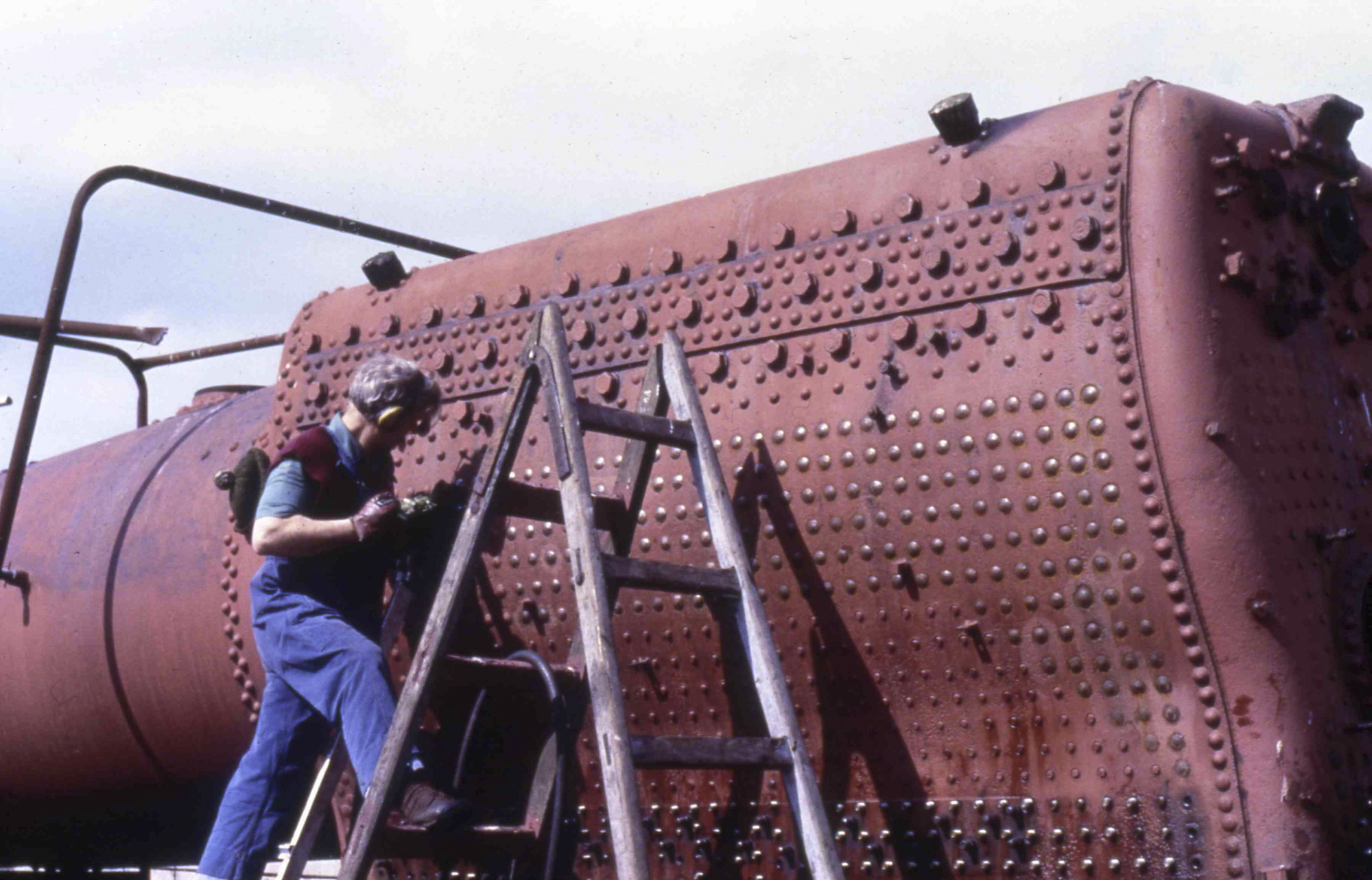 Working on the boiler, 21 April 1985. © Unknown, please contact us if you know the photographer.