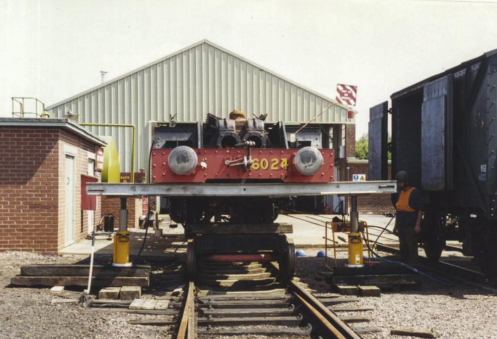 Up in the air at BAD Kineton, 1995. © Bob Robson/6024 PS Ltd
